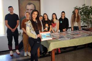 """Посрещнахме националния празник с изложба на лични колекции """"Моята България"""""""